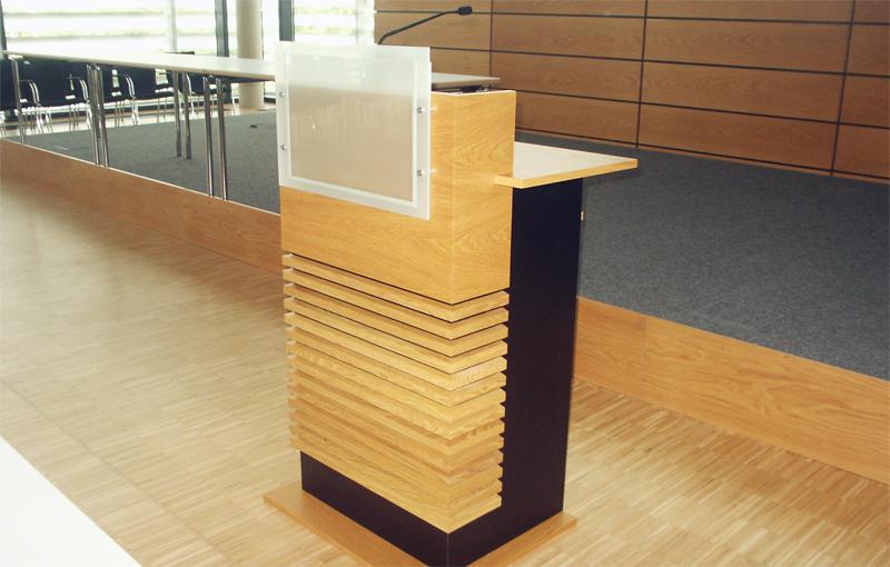 Schreinerei Fäth Referenz - Plenarsaal Landratsamt in Groß-Gerau