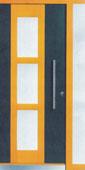 Haustüre aus Holz in anthrazit und gelb mit Lichtausschnitt von Schreinerei FÄTH